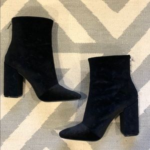Jessica Simpson velvet embossed black booties!